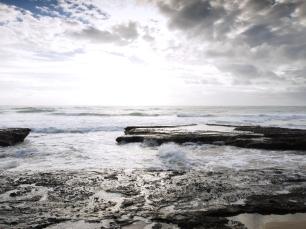 Blick auf die vorherige Fotoposition nach einer hohen Welle