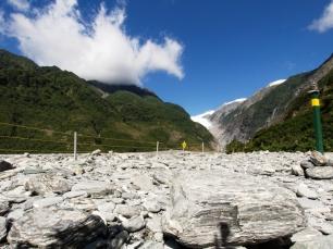 Wanderweg zum Fuße des Gletschers