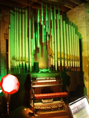Orgel im Steampunk HQ