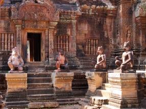 Interessante Statuen und Verzierungen waren überall zu finden