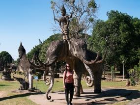 Dreiköpfiger Elefant