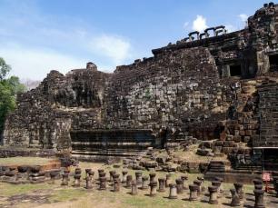 Der liegende Buddha ziert die Westseite des Tempels