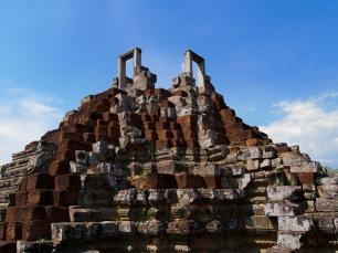 Die Tore zum Himmel auf der Spitze des Tempels