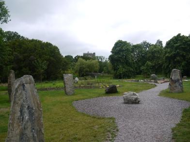 Auf dem großen Anwesen findet man auch einen Druiden-Steinkreis.