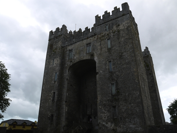 BunrattyFolkPark_Castle
