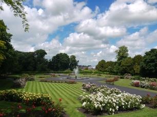 Die Gärten waren beeindruckender als das Schloss selbst.