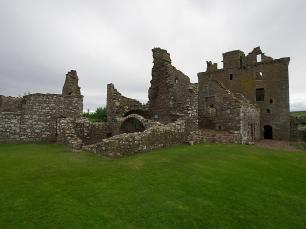 Ein Streifzug durch die Ruinen weckt das Entdeckerherz.