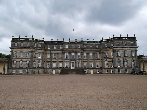 Das Hopetoun House soll an Versailles erinnern und wird vom Earl of Hopetoun and Marquess of Linlithgow bewohnt.