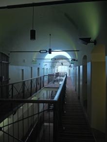... Gefängnis übernachtet?
